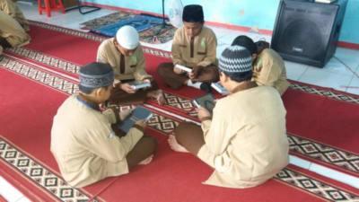 Penyaluran Tahap Awal Donasi Wakaf Al-Quran 05