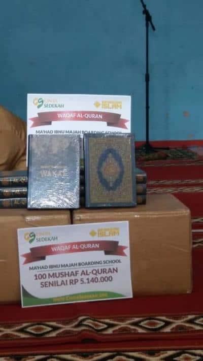 Penyaluran Tahap Awal Donasi Wakaf Al-Quran