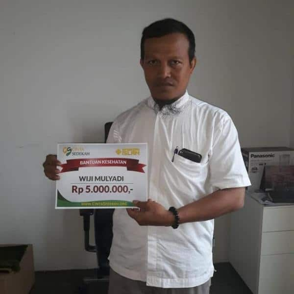 CS Peduli Sosial - Bantuan Biaya Pengobatan Bapak Wiji Mulyadi