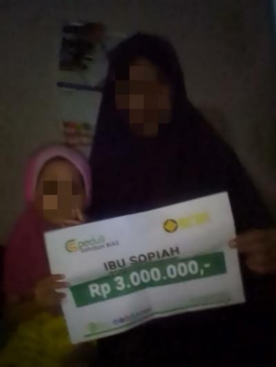Bantuan Biaya Ekonomi Untuk Keluarga Ibu Sopiah
