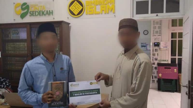 Penyaluran 120 Mushaf Al - Qur'an ke 7 Masjid di Yogyakarta