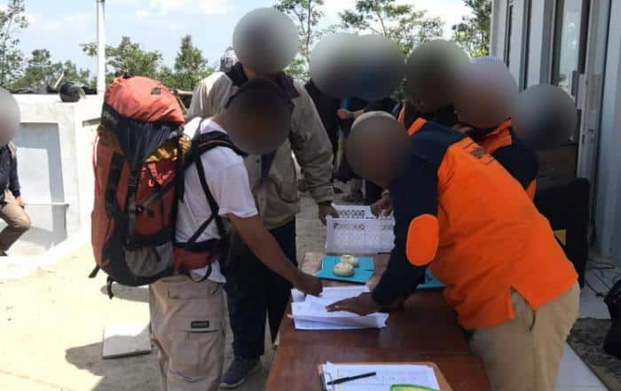 CSPeduli Sosial - Pembagian Sembako ke Warga Setempat Dalam Acara Volcano Mengaji Jilid ke dua di Lereng Gunung Merapi