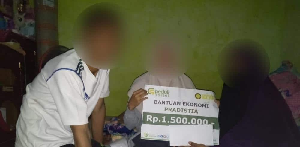 Bantuan Ekonomi kepada Ibu Pradistia di Depok Jawa Barat